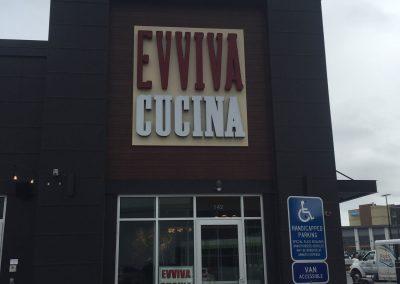 Evviva-Cucina-restaurant-sign
