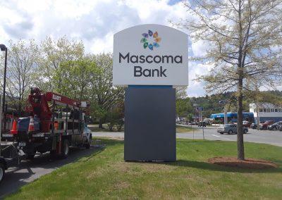 bank-pylon-signs