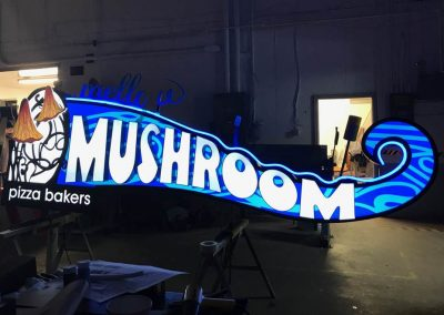 mellow mushroom restaurant sign